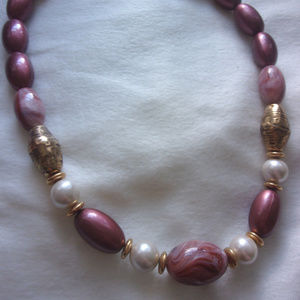 Jewelry - Pastel plum acrylic necklace with magnetic clasp